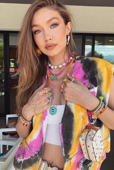 Tie-dye : tendência entre fashionistas no Coachella